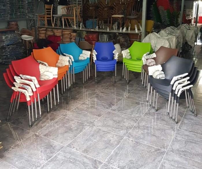 Ghế nhựa đúc bền màu..4