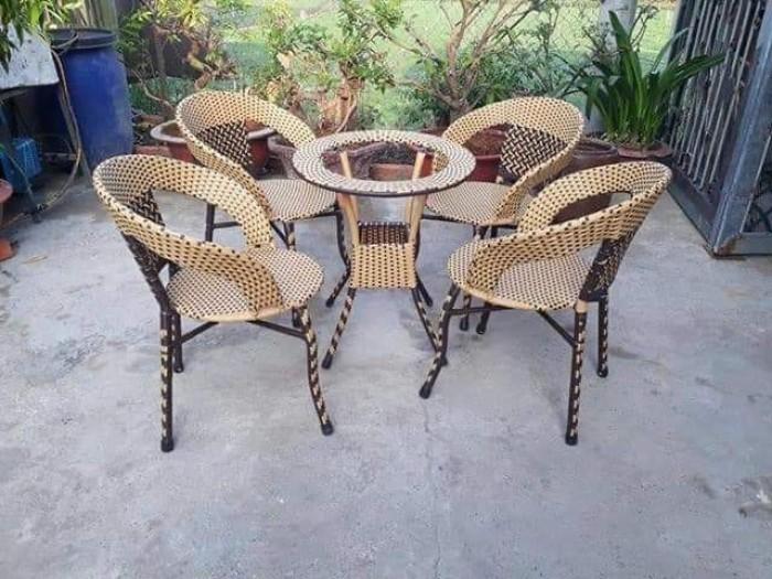 Chuyên sản xuất các loại bàn ghế nhựa giả mây cafe giá rẻ..5