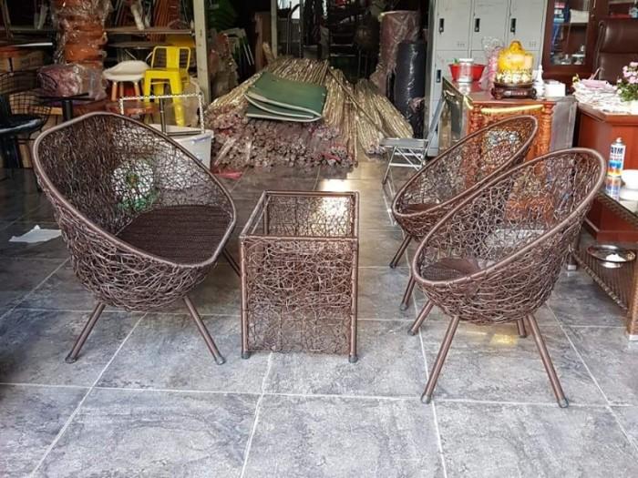 Sản xuất và cung cấp bàn ghế cafe nhựa giả mây dùng cho cafe, nhà hàng..3