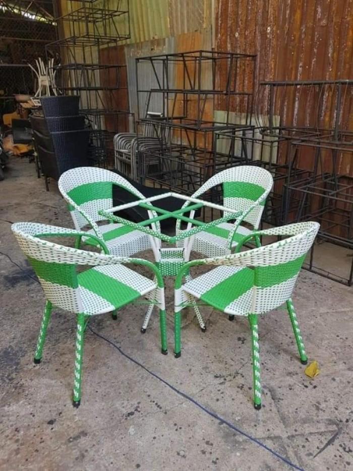 Cần thanh lý 20 bàn ghế cafe giá rẻ bán tại nơi sản xuất Hàng mới 100%..1