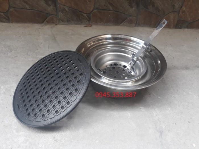 Bếp nướng than hoa âm bàn hút trên vỉ gang lỗ chống dính0