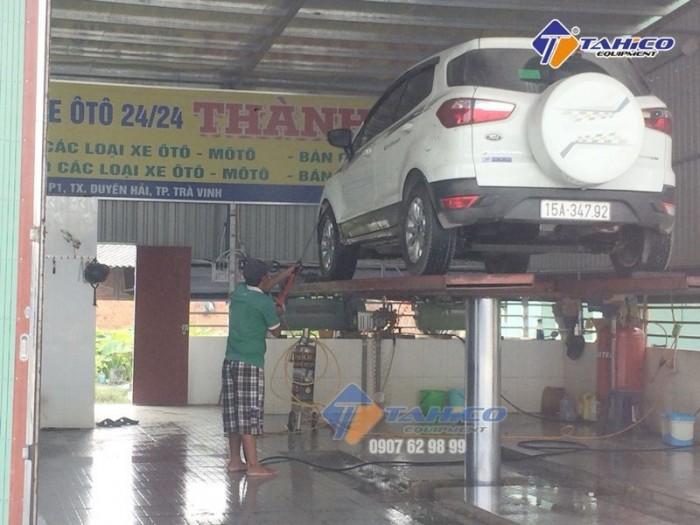 Cầu nâng 1 trụ rửa xe ô tô nhâp khẩu SHARK âm nền Tại Gia Lai3