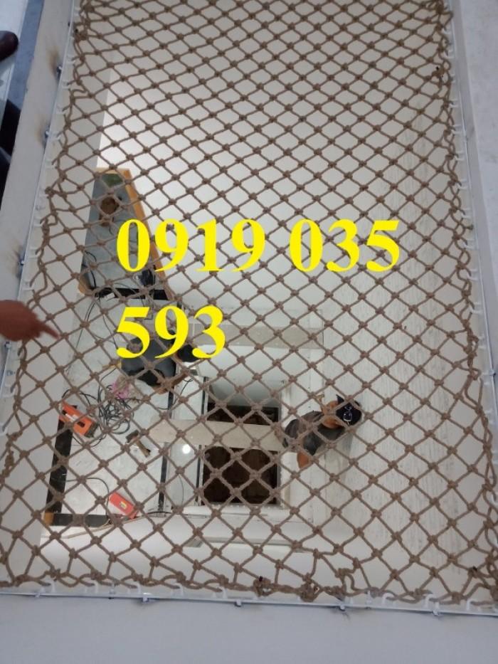 Lưới giếng trời an toàn nằm thư giãn,lưới dây thừng trang trí an toàn7