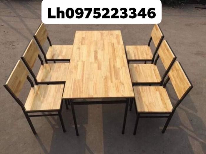 Bàn, ghế gỗ  khung sắt, nhôm được sơn tĩnh điện đảm chắc lượng..3