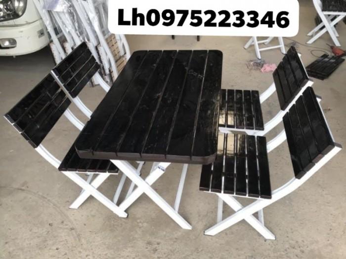 Bàn ghế gỗ dành cho quán càfe mini giá rất rẻ..0