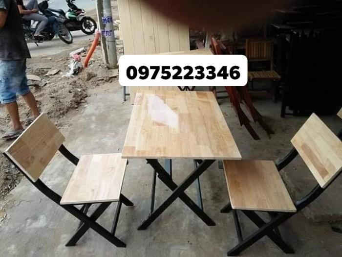 Bàn ghế gỗ dành cho quán càfe mini giá rất rẻ..2