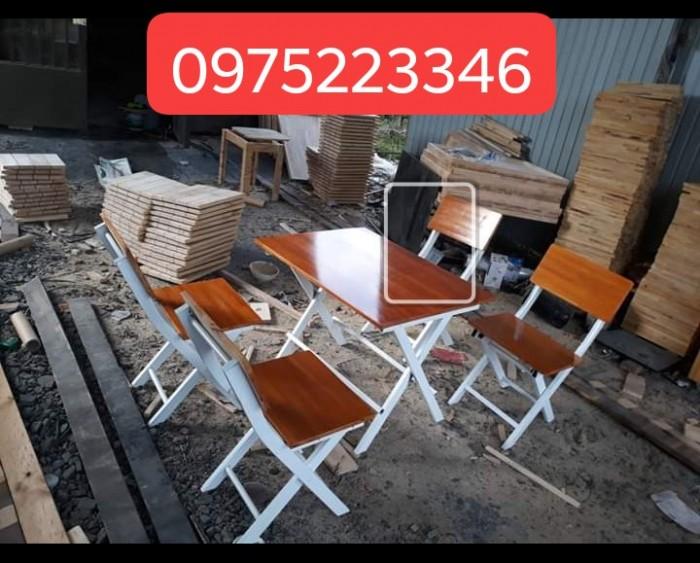 Bàn ghế gỗ dành cho quán càfe mini giá rất rẻ..3
