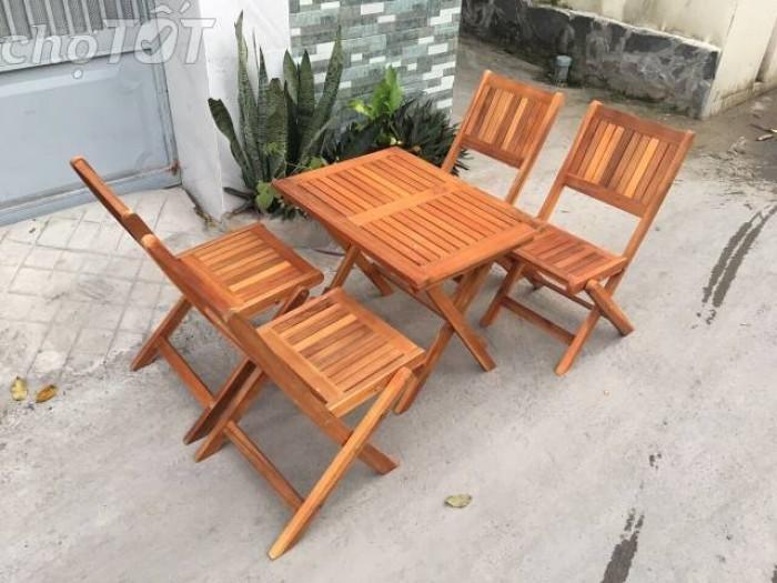 Bàn ghế gỗ dành cho quán càfe mini giá rất rẻ..4