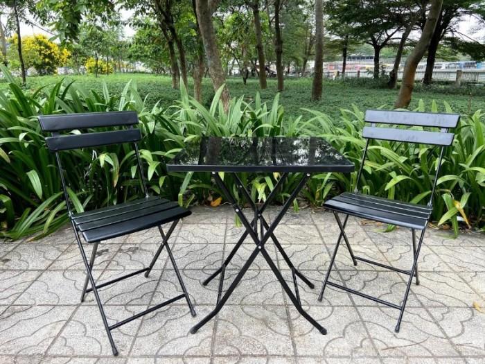 Bàn ghế sắt mỹ nghệ nhiều màu rẻ và đẹp3