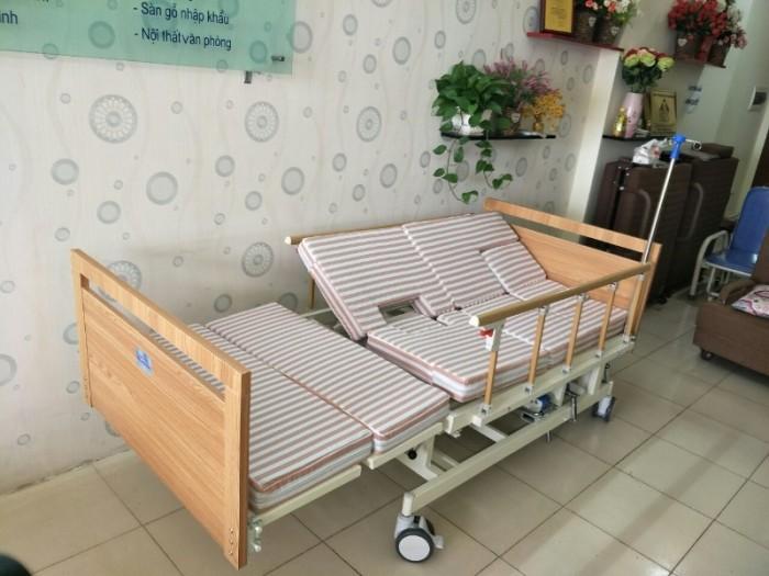 SALE KHỦNG cuối tháng 06 - Với 2 mẫu giường bệnh đa chức năng0