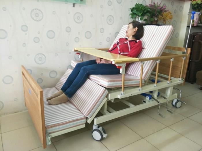SALE KHỦNG cuối tháng 06 - Với 2 mẫu giường bệnh đa chức năng2