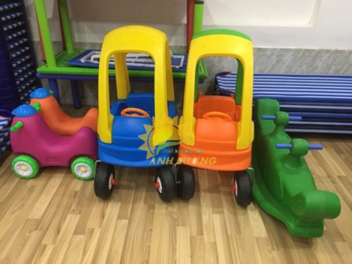 Chuyên bán xe chòi chân 4 bánh có mái che siêu đáng yêu cho trẻ em3