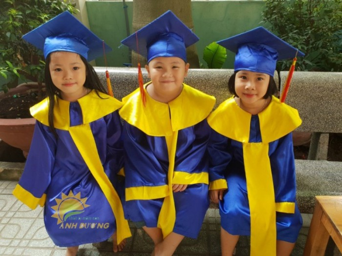 Cung cấp lễ phục tốt nghiệp dành cho trẻ em mầm non2