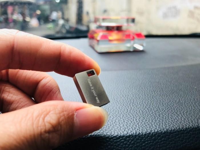 USB 16Gb nghe nhạc xe hơi, giá tốt, khuyến mãi đặc biệt0