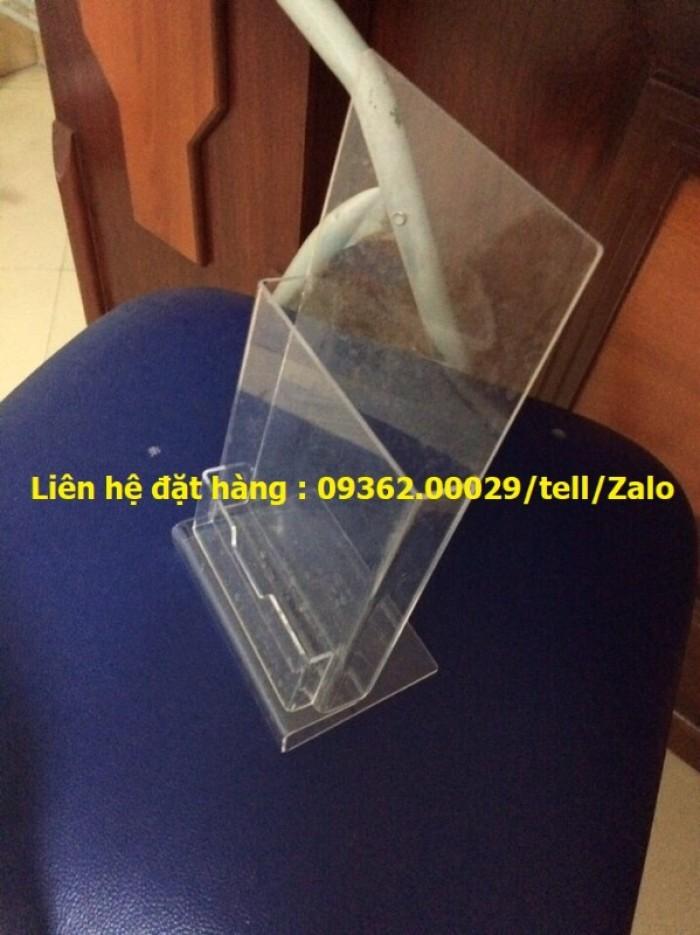 Kệ mica để sản phẩm mẫu trưng bày, kệ đựng tờ rơi , tài liệu A412