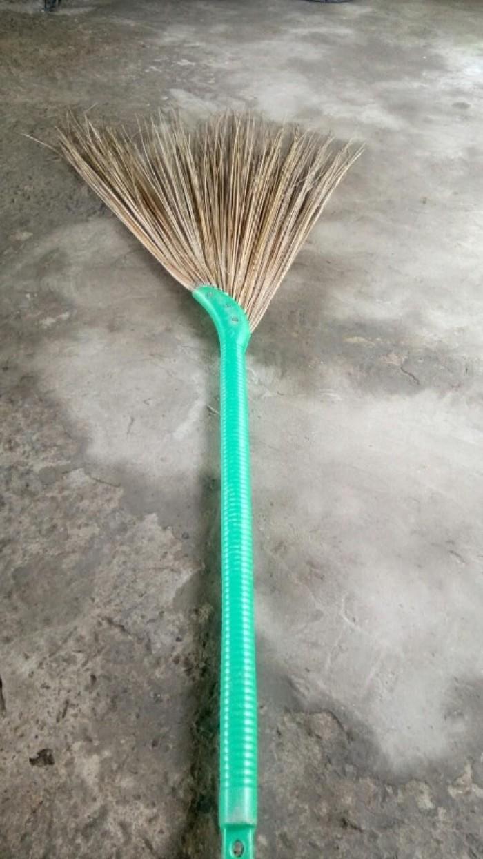 Chổi xương dừa, chổi bông cỏ, cộng dừa nguyên liệu1
