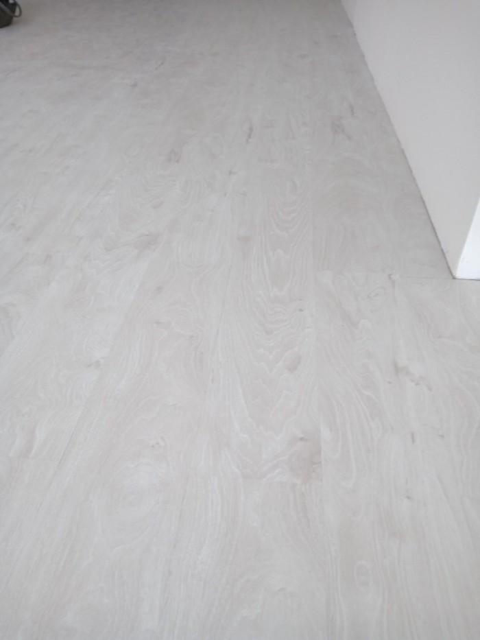 Sàn nhựa Vinyl vân gỗ giá rẻ6