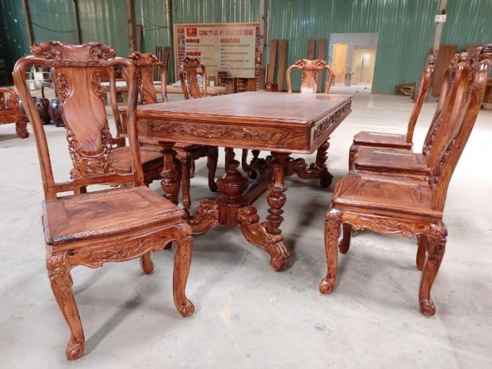 Bộ bàn ăn gỗ cẩm lai 8 ghế VIP được nhiều khách tìm mua tại quận 73