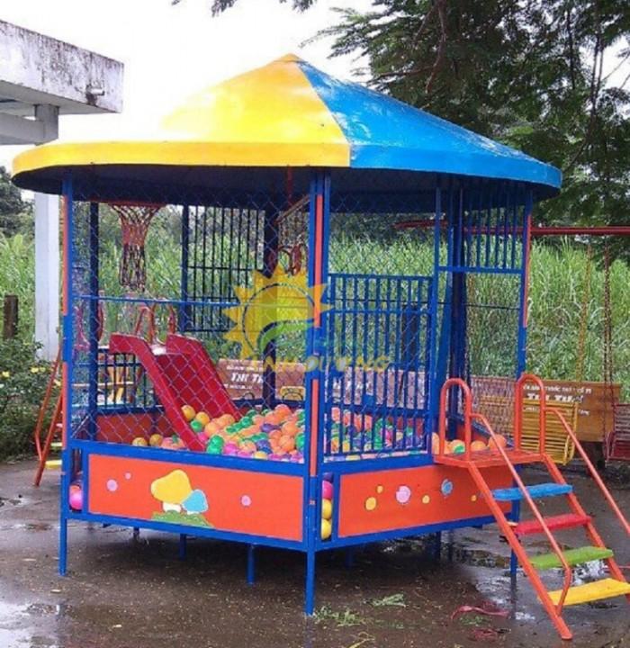 Nhận thi công nhà banh ngoài trời cho trường mầm non, công viên, khu vui chơi3