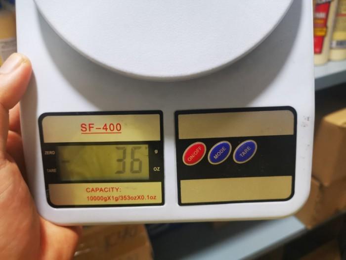 Bên cạnh đó, Cân nhà bếp WH-B05 5kg với chỉ 2 phím bấm, trực quan, rất dễ dàng trong thao tác cho người sử dụng lần đầu, người nội trợ, hay những người đã có kinh nghiệm sử dụng cân điện tử.