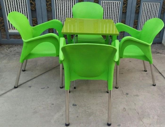 Cần thanh lý 10 bộ bàn ghế nhựa đúc chân sắt cà phê cực đẹp,giá cực rẻ..3