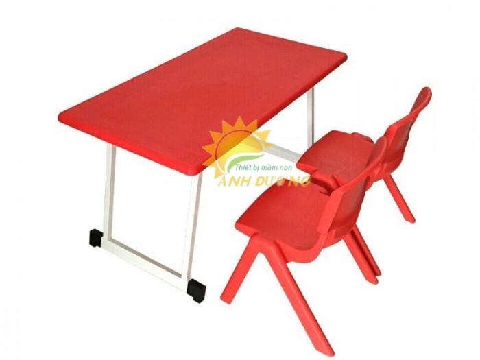 Cung cấp bàn nhựa hình chữ nhật gập chân cho trường lớp mầm non, gia đình1