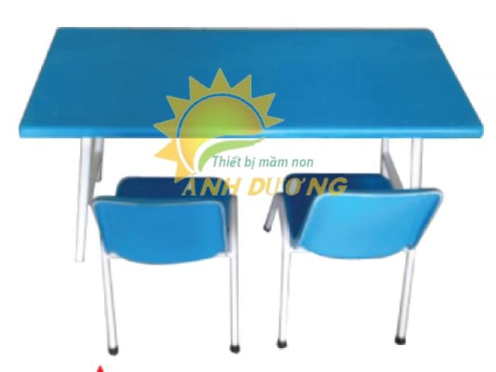 Cung cấp bàn nhựa hình chữ nhật gập chân cho trường lớp mầm non, gia đình0