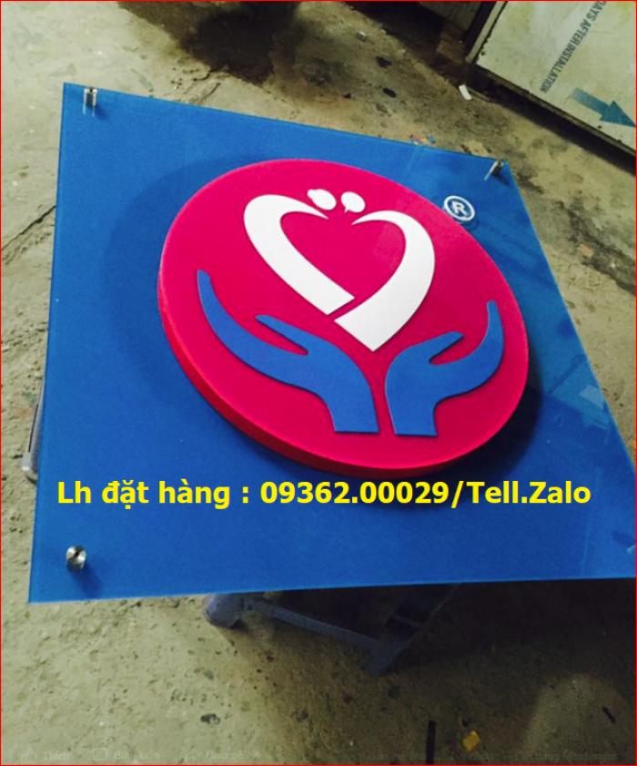 Xưởng chuyên cung cấp biển công ty mica, đồng ,inox tại Hà Nội7