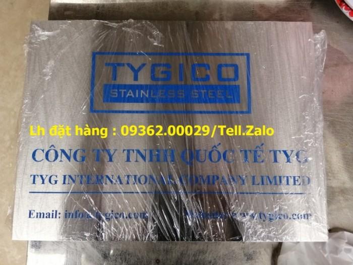 Xưởng chuyên cung cấp biển công ty mica, đồng ,inox tại Hà Nội11