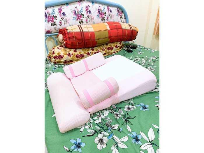 Gối ngủ chống trào ngược cho bé1