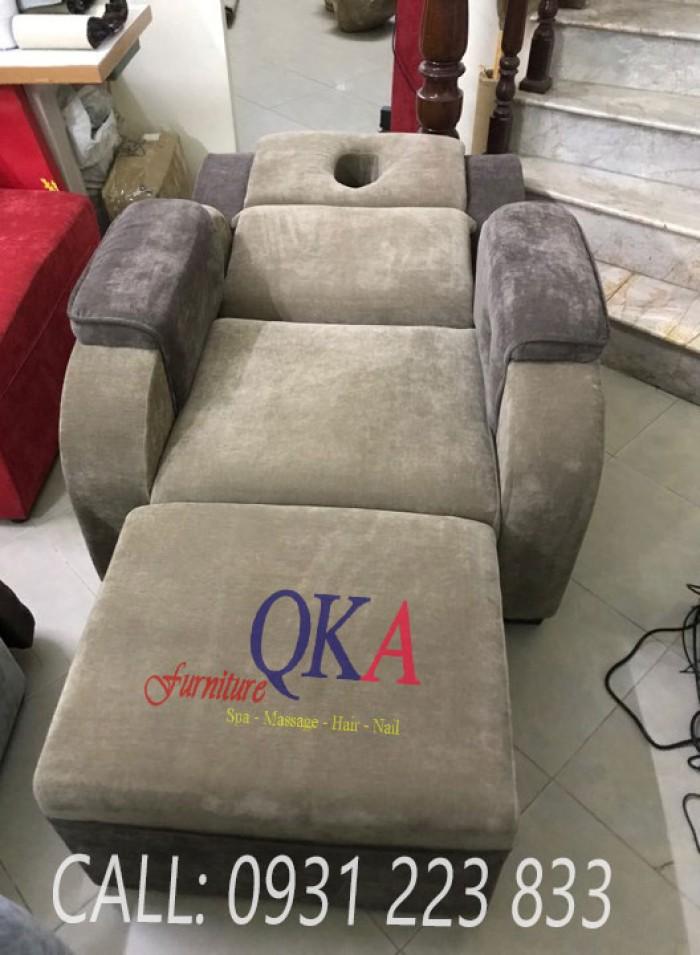 Ngoài ghế massage chân, công ty cũng sản xuất cung cấp thêm những dụng cụ Spa khác như giường massage, chậu ngâm chân,..Khách hàng liên hệ để được báo giá cụ thể :0931 223 8334
