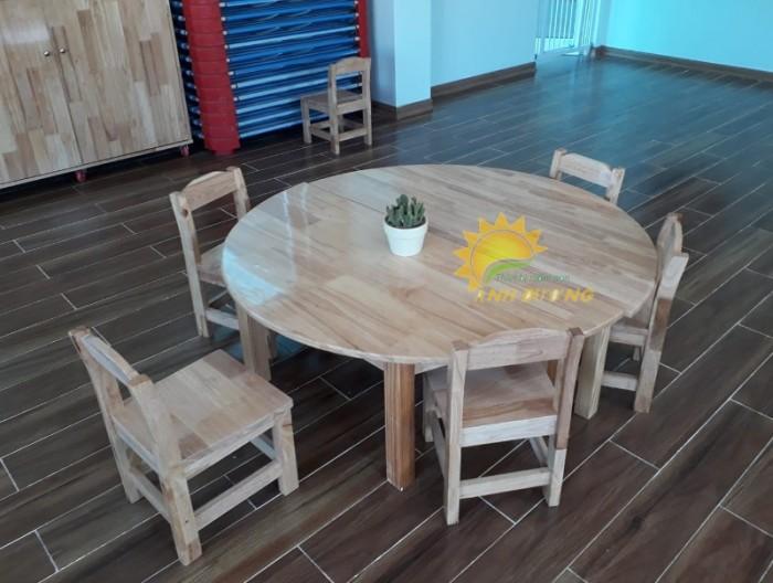 Cung cấp bàn ghế gỗ mầm non giá rẻ, uy tín, chất lượng nhất0