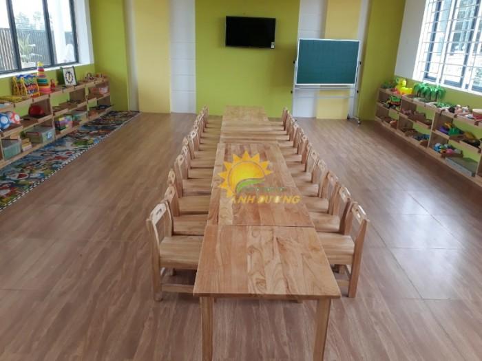 Cung cấp bàn ghế gỗ mầm non giá rẻ, uy tín, chất lượng nhất9