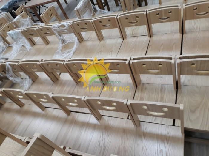 Cung cấp bàn ghế gỗ mầm non giá rẻ, uy tín, chất lượng nhất12