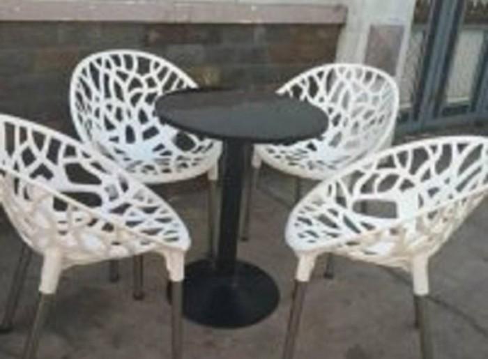 Bàn ghế cafe nhựa táo hoa văn AK121