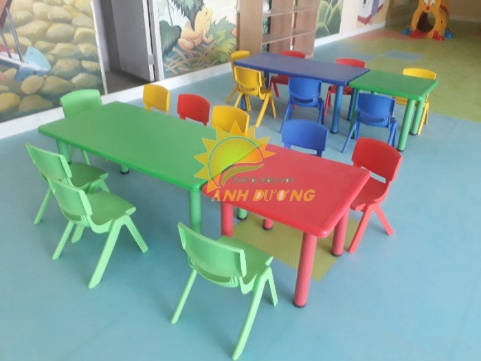 Cung cấp bàn nhựa hình chữ nhật cao cấp, chắc chắn cho trường lớp mầm non5