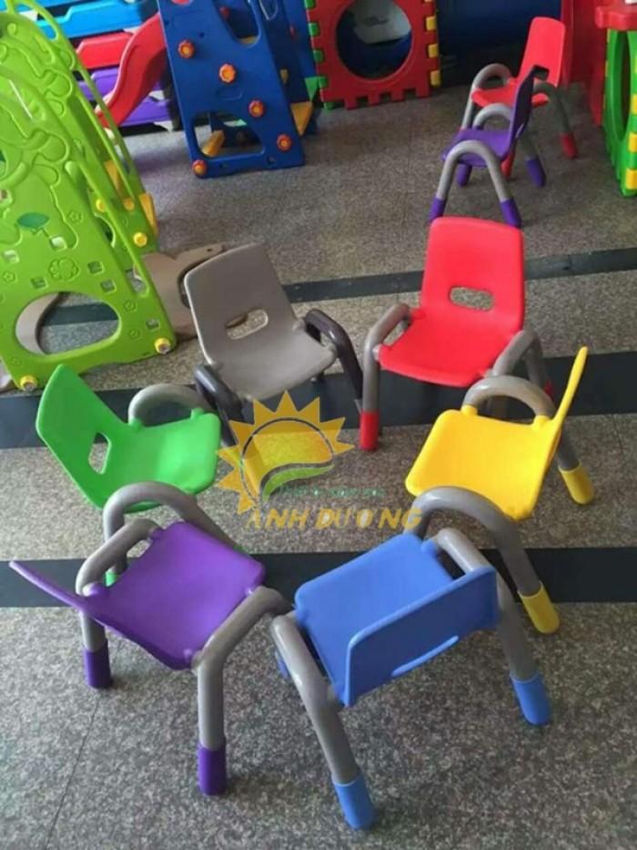 Cung cấp ghế nhựa đúc có tay vịn dành cho trẻ em mẫu giáo, mầm non3