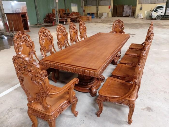 Bộ bàn ăn kiểu cổ điển phong cách sang chảnh- quý tộc được đại gia mua dùng2