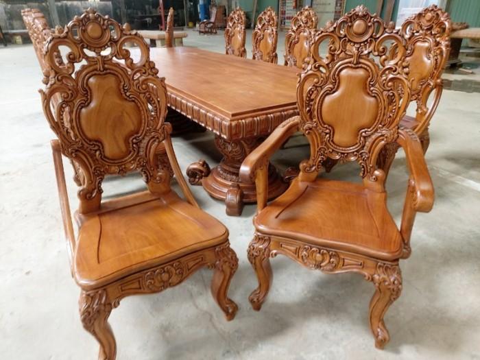 Bộ bàn ăn kiểu cổ điển phong cách sang chảnh- quý tộc được đại gia mua dùng1