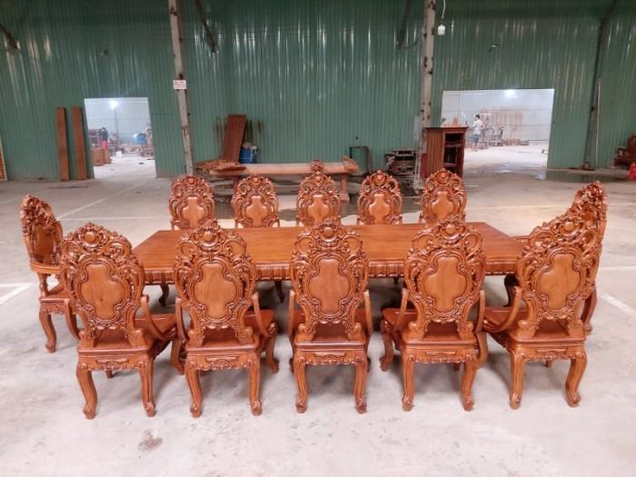 Bộ bàn ăn kiểu cổ điển phong cách sang chảnh- quý tộc được đại gia mua dùng3