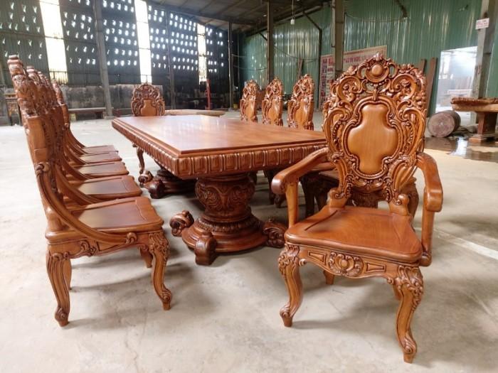 Bộ bàn ăn kiểu cổ điển phong cách sang chảnh- quý tộc được đại gia mua dùng4