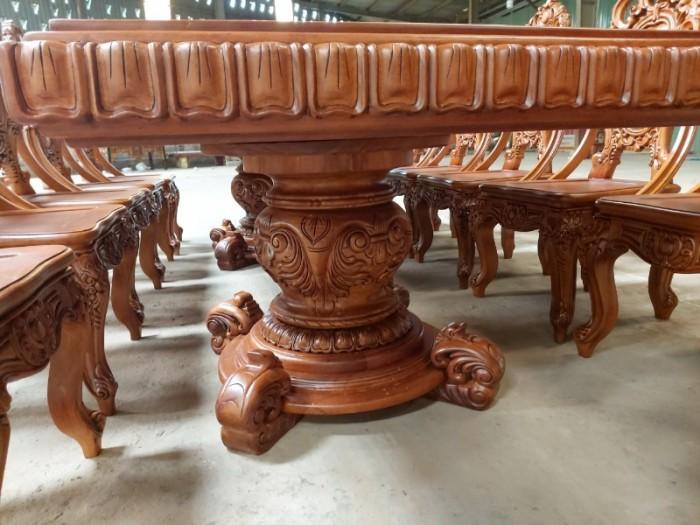 Bộ bàn ăn kiểu cổ điển phong cách sang chảnh- quý tộc được đại gia mua dùng6
