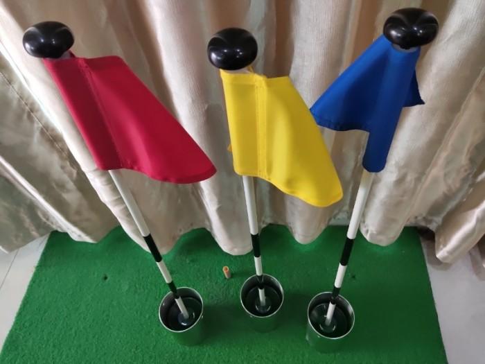 Cờ golf sân tập có trục nhựa4