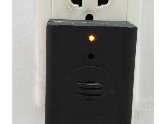 Máy đuổi chuột dùng pin năng lượng1