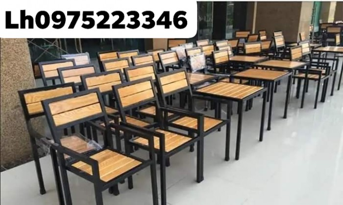 Xả kho lô bàn ghế gỗ chân sắt giá rẻ..2