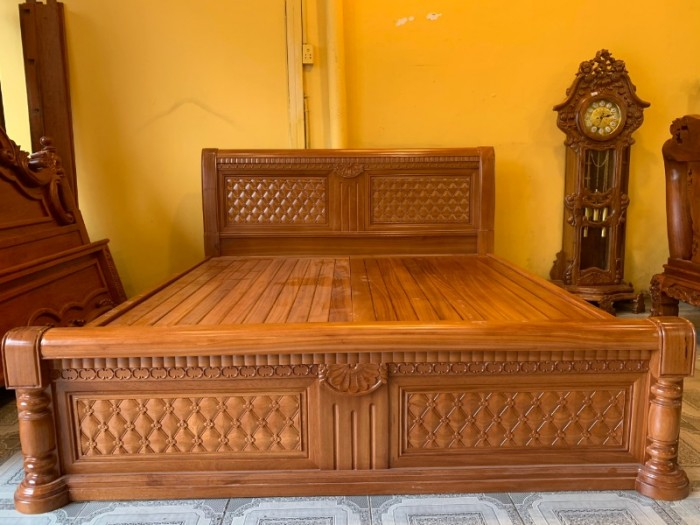 Giường ngủ hoa mai gỗ gõ đỏ đẹp giá rẻ tại Sài Gòn3