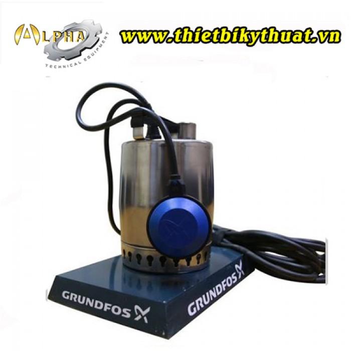 THÔNG SỐ KỸ THUẬT Công suất: 300W Lưu lượng nước: 138 lít / phút Chiều sâu hút: 8 mét Chiều cao đẩy: 5,3 mét Kích thước hạt hút được: 10 mm Độ PH yêu cầu: 4-10 Nhiệt độ nước: từ 0-50 độ C Dữ liệu kỹ thuật: Điện áp sử dụng: 1 pha, 220-240 VAC; 50Hz Chỉ số làm kín: IP68 Tiêu chuẩn chế tạo: CE, VDE, EAC1