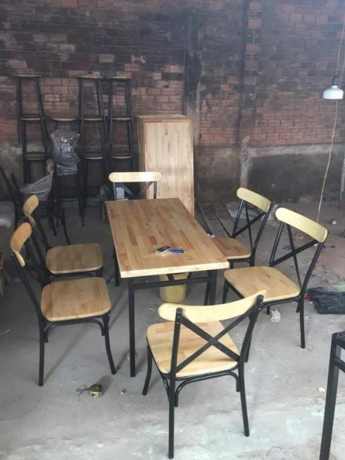 Bộ bàn ghế gỗ đẹp sang rẻ giá tại xưởng..1
