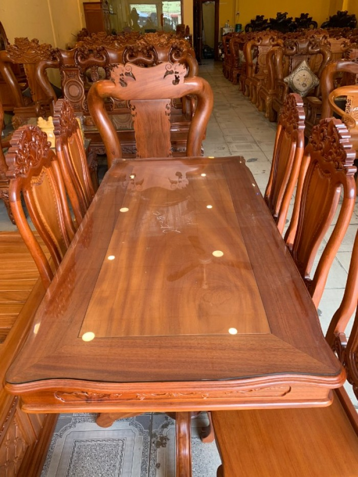 Bộ bàn ăn 6 ghế gỗ tự nhiên bán chạy nhất tại Sài Gòn3