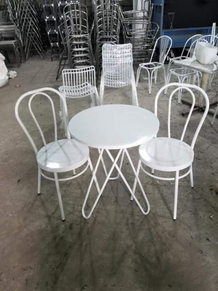Các mẫu bàn ghế đẹp và độc hòa hợp với mọi không gian là đây từ gỗ,nhựa,sắt..2